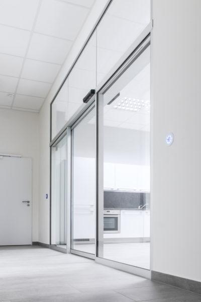 Slimdrive SL NT + GC 363 + LED sensor switch, branch office east