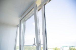okucia do okien i drzwi PCV
